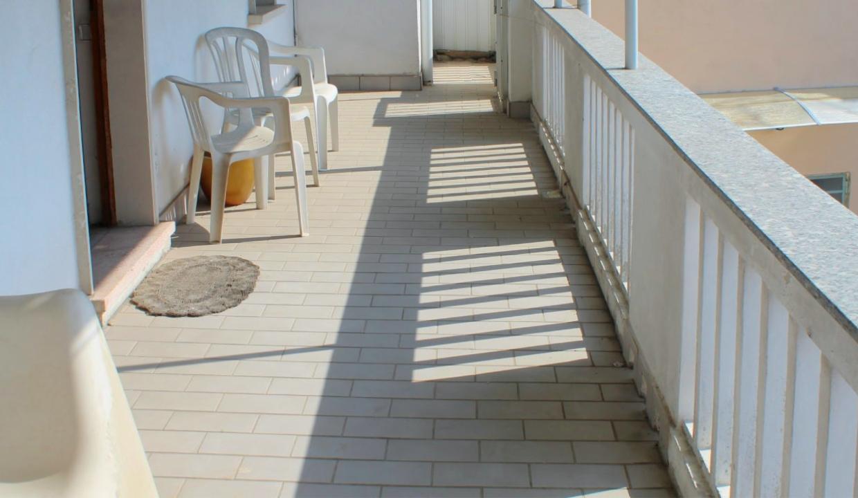Fagnano Olona trilocale in vendita al piano primo con balcone