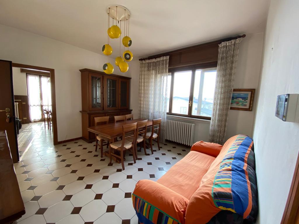 Cassano Magnago appartamento in vendita in contesto di sole due famiglie