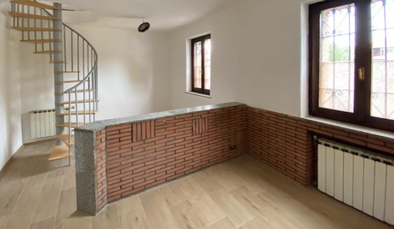 Fagnano Olona Via Isonzo, appartamento semi-indipendente, senza spese condominiali, ristrutturato