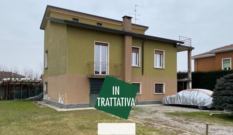 Fagnano Olona in vendita villa singola con 700 mq di giardino