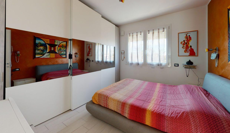 3-LOCALI-CON-TERRAZZO-Bedroom(1)