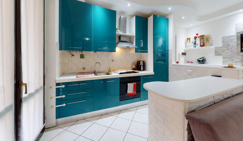 AMPIO-BILOCALE-CON-BALCONE-Kitchen